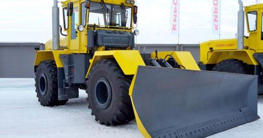Универсальная дорожная машина - КИРОВЕЦ К-703МА-ДМ15