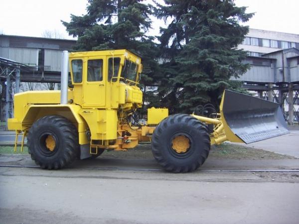 КИРОВЕЦ К-703МА-ДМ15(4)