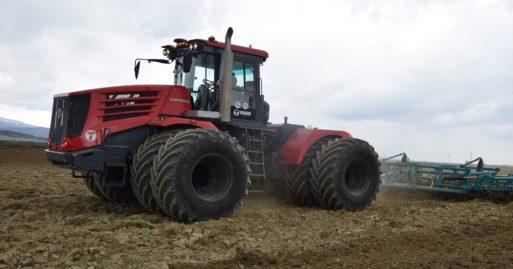 Трактор - КИРОВЕЦ К-742 «СТАНДАРТ» (К-744Р4)